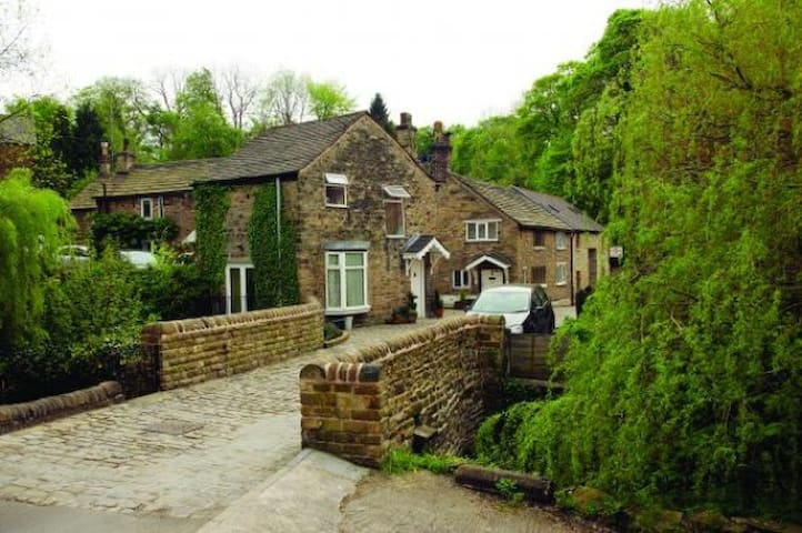 Converted Barn - Marple Bridge