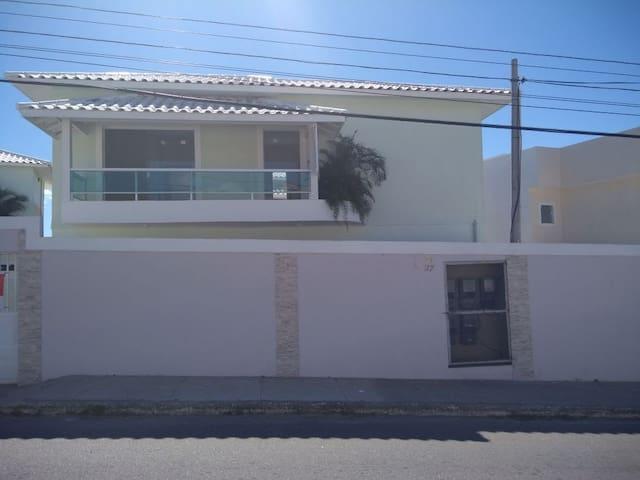 Casa duplex na Reserva do Peró.