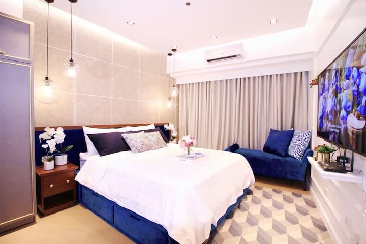Modern Luxe at Century, Makati w/ Netflix