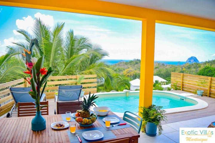 Villa with private pool, sea view, beach at 10min