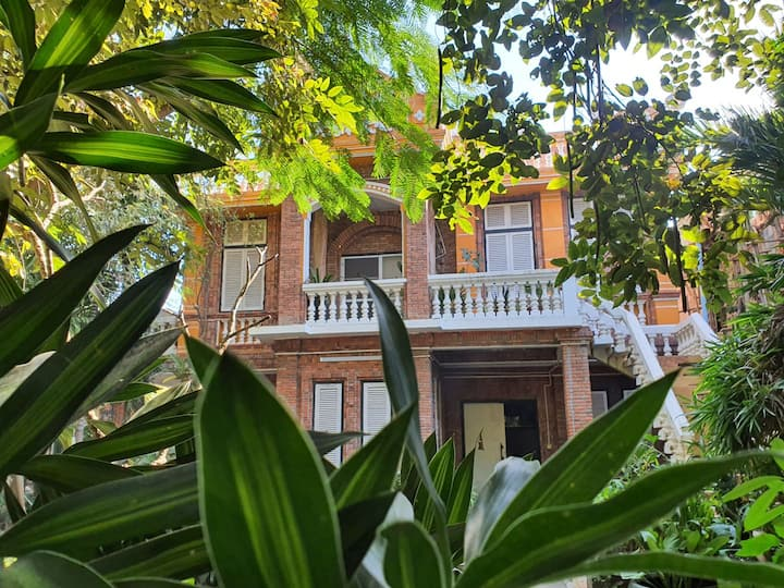 Brightness Villa, Private Home Stay, Around you