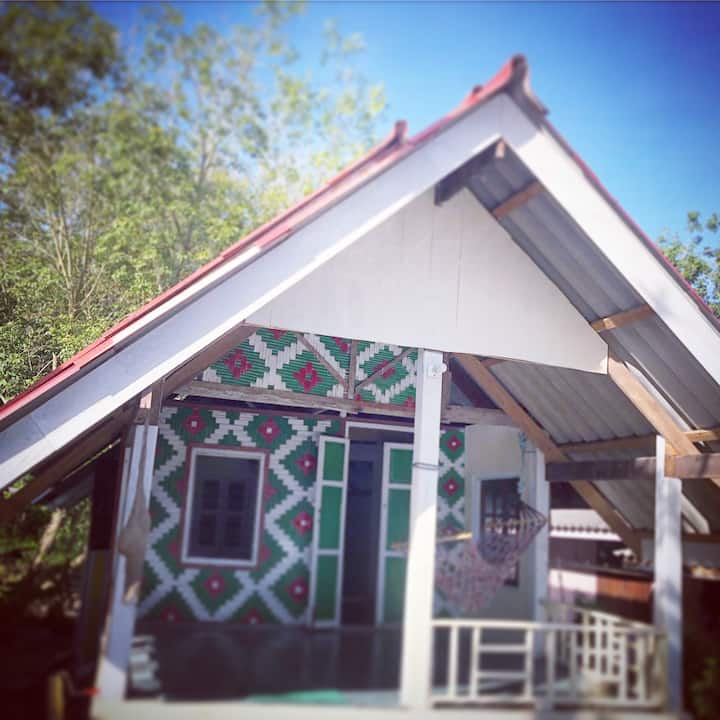 Spacious cottage with Balcony in Koh Sukorn Trang