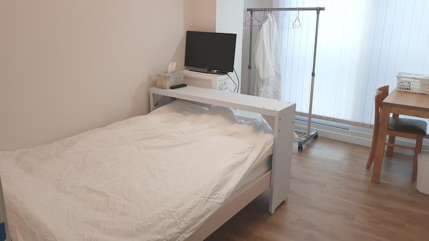 Bean's home single room in Gongdeok (femal only)