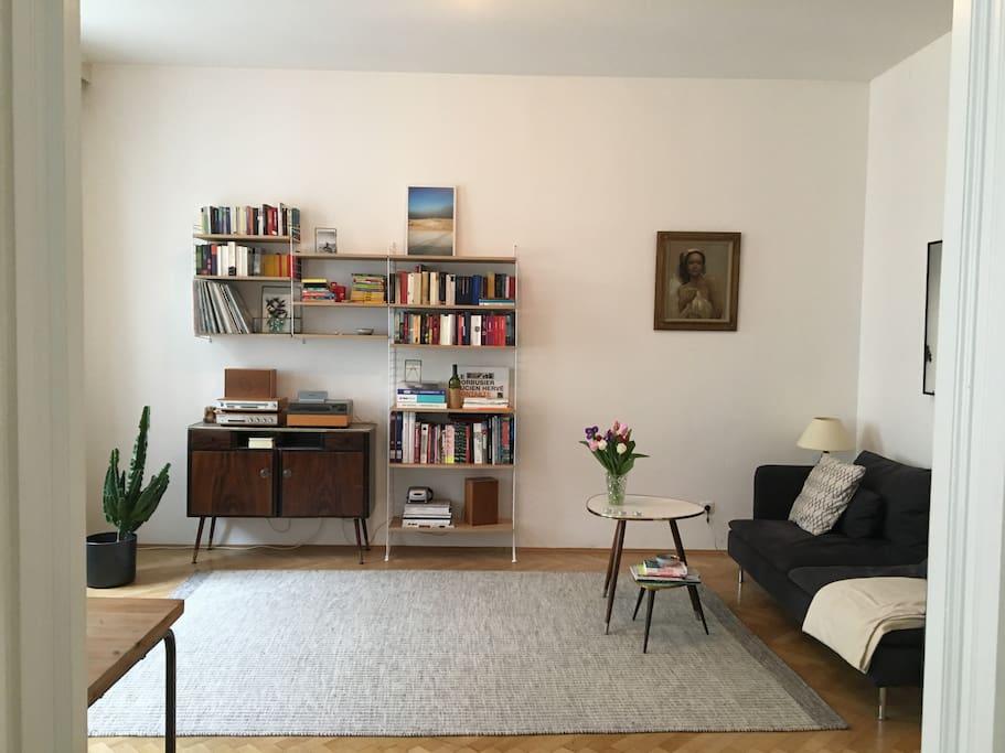 Heller Wohnbereich / bright living room