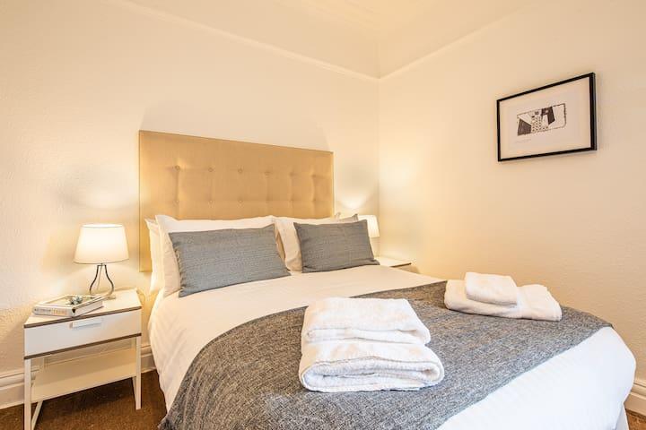 Economy Room in Premium Harrogate Location