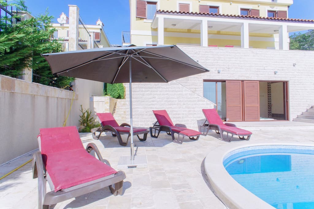 Sunbreeze Luxury Resort Pools, Jacuzzi, Saunas and fantastic energy of peace