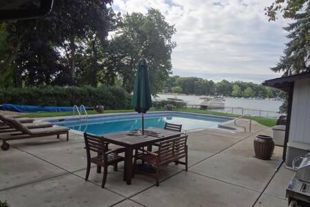 Lakefront Escape on Sylvan Lake - Pontiac - Ház