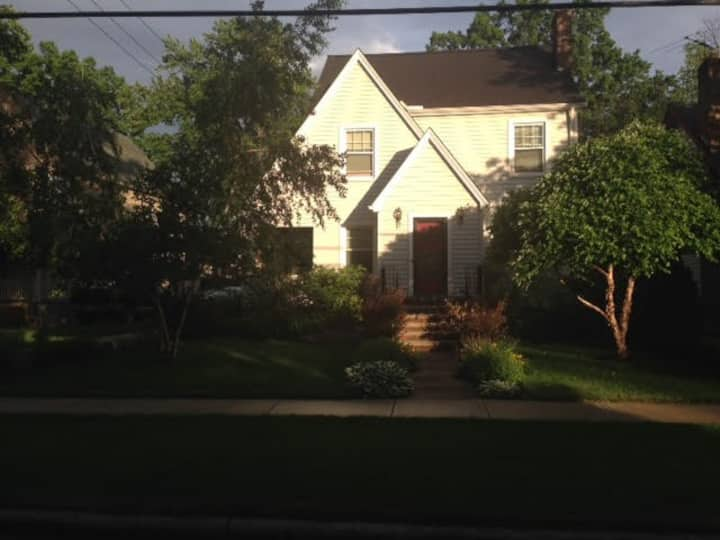 Residential Home for Visitors to Cleveland, OH