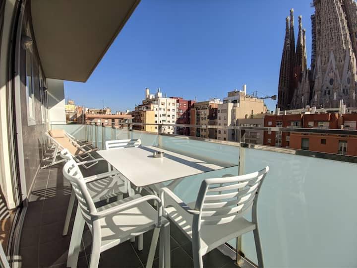 Amazing 4-bedroom apart with Sagrada Familia views