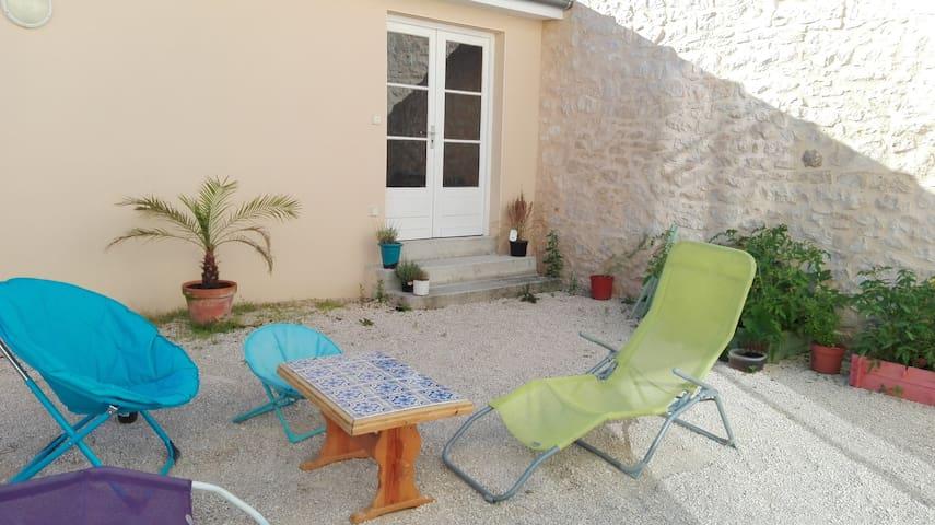 Maison moderne au cœur d'un village - Souillac - Huis