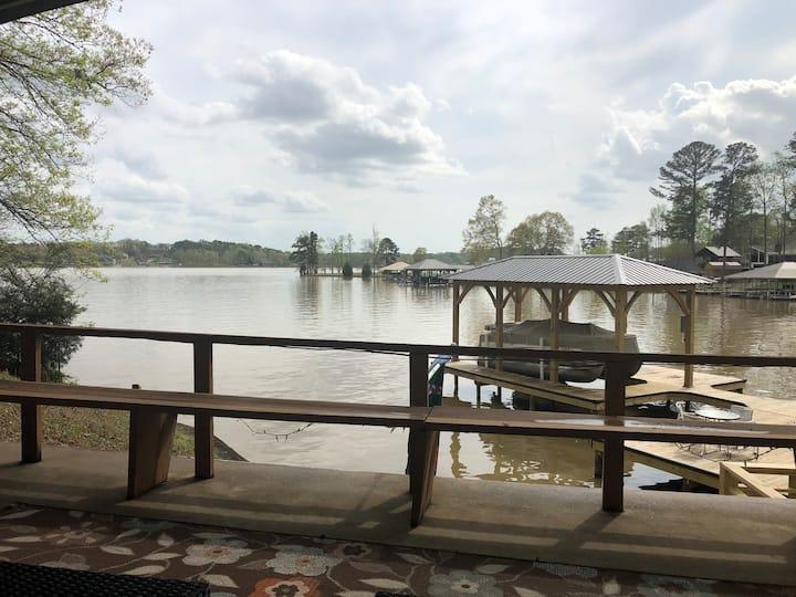 Rustic Serenity on Logan Martin Lake