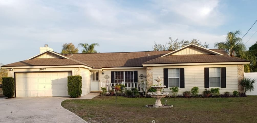 Private(#2) Room in Cozy House with Pool - Deltona