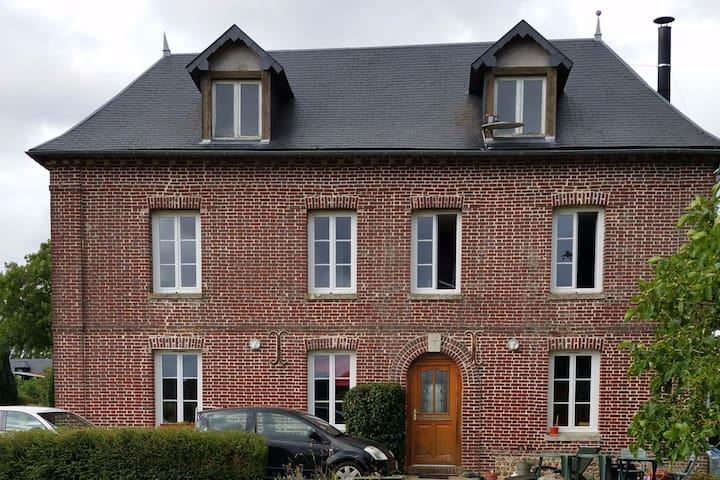Maison de campagne proche des bords de Seine.