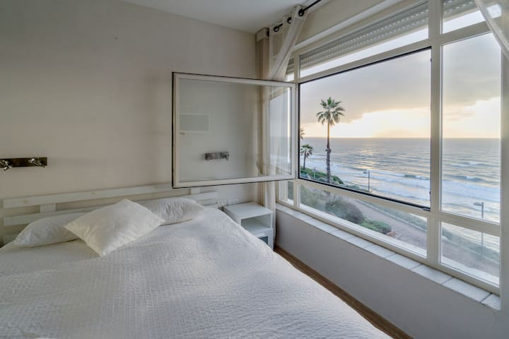 Luxury apartment ON the sea - Netanya - Apartamento