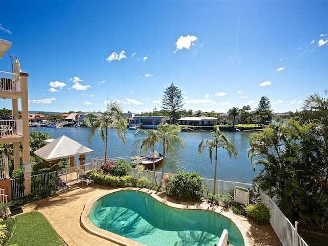 Luxury holiday weather view 2 bed/bath apartment - Biggera Waters - Apartment