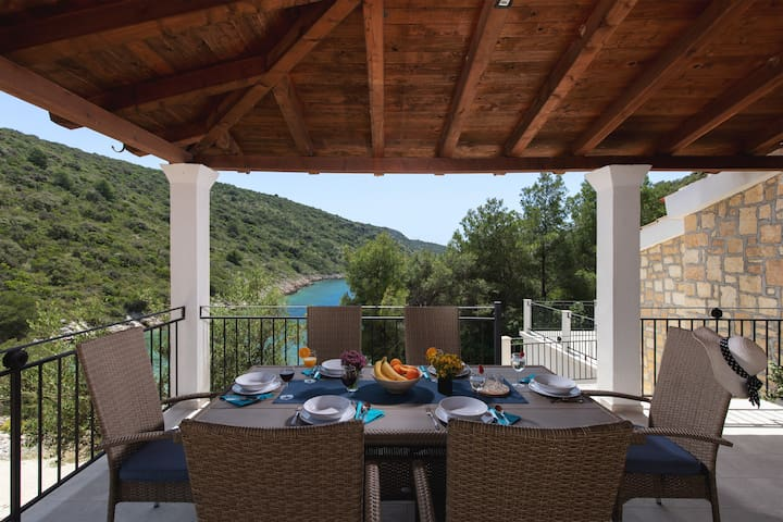 House Providence with private beach-Sal Mare