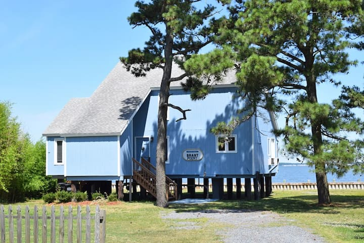 Brant Point-Waterfront on Chincoteague Bay
