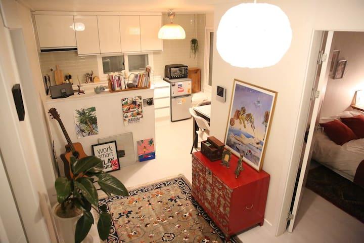 New! Artist's Flat in Hongdae  아티스트 플랫 홍대 - Mapo-gu