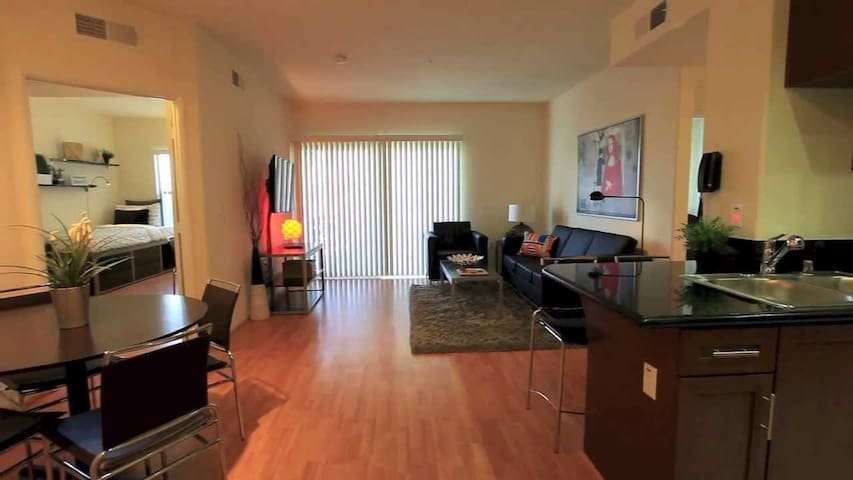 Luxurious Private Room in Downtown Los Angeles
