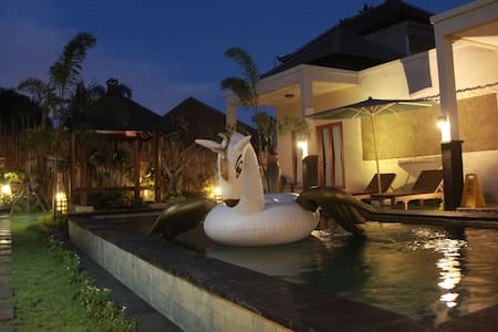 Homayoon Villa 4 - Ubud - Bed & Breakfast
