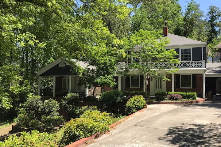 Masters: Mid Century meets Southern Traditional