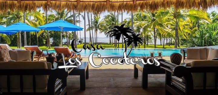Casa Los Cocoteros (Casa de la Laguna)