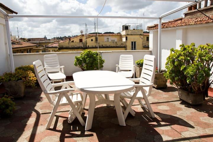 Mansarda Near Vatican with Terrace