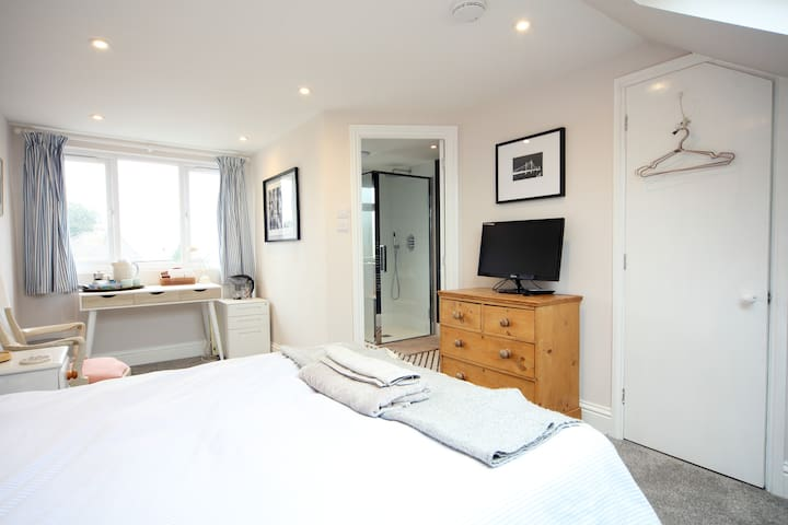 Newly renovated attic room with private en-suite