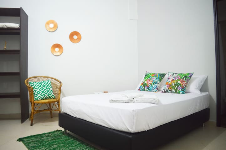 4.Private room + bath in boutique style guesthouse