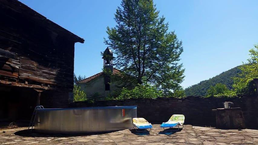 RisingSoul Co-Living & Retreat Space, Four Dorm