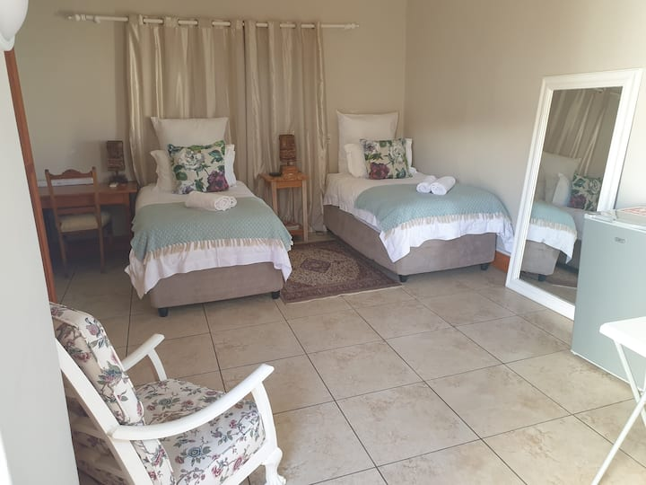 Clanwilliam Accommodation Overnight room