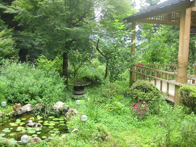 『民泊haruna』温泉付き・1日1チーム限定  金鱗湖近くの民宿