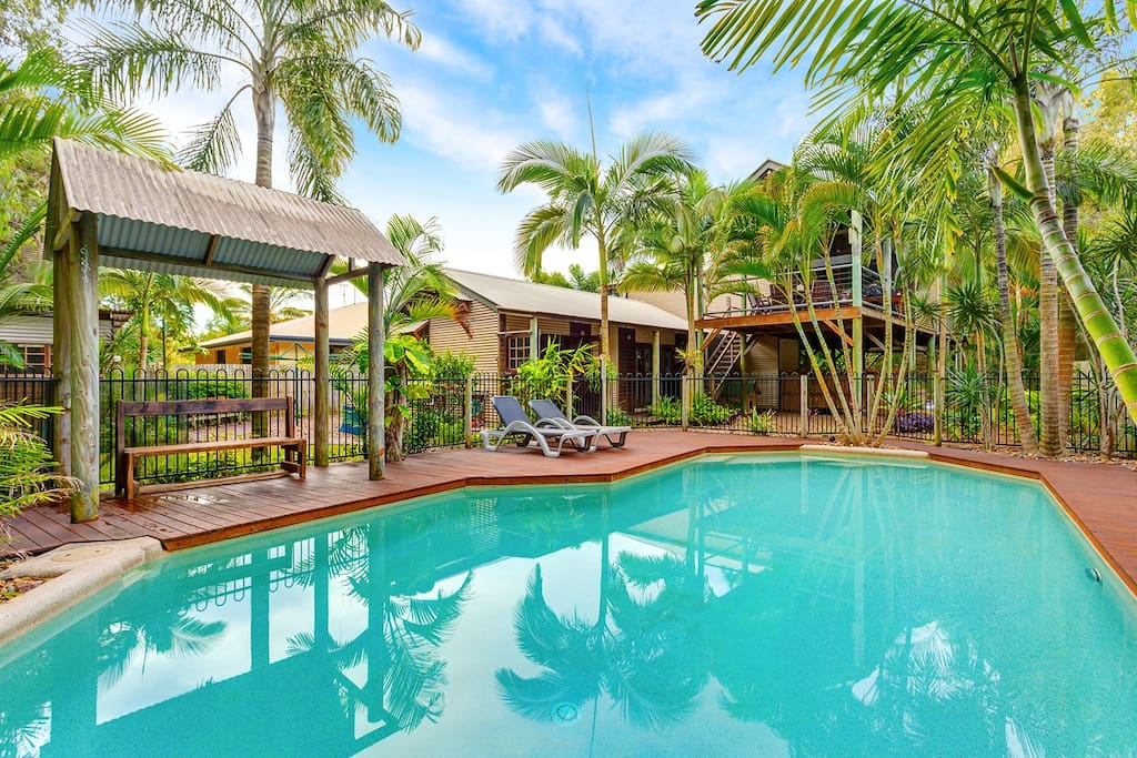 Driftwood Pets Welcome Swimming Pool Holiday Homes For Rent In Rainbow Beach Queensland
