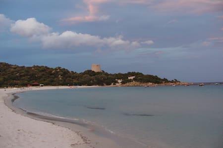 Villasimius - Cala Pira (proprio sul mare) - Cala Pira - Rekkehus
