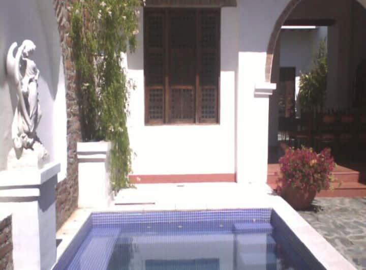 Habitación En casa colonial