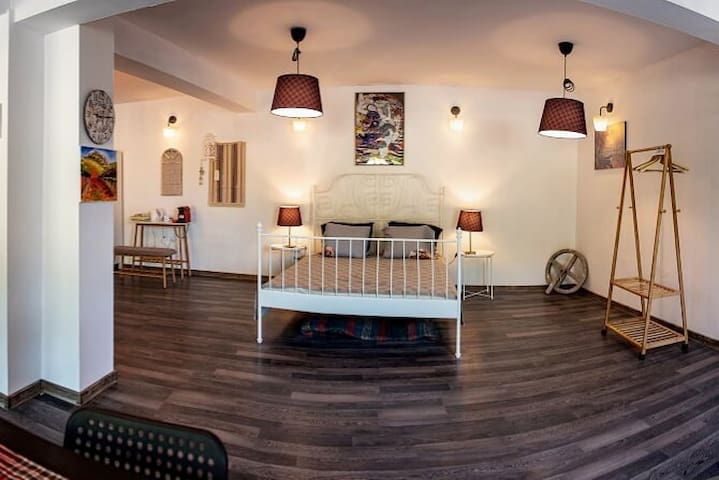 ♛ Old Church View-walk to castle, 70m2 + free pkg