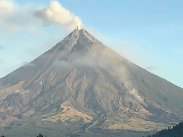 Majestic Mayon viewed from SIFelAn's bedrooms