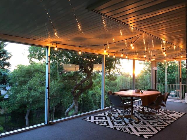 Spacious mid-century modern family retreat w/views