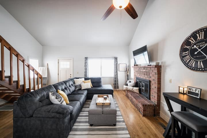 The Linkville Loft (Downtown Klamath Falls)