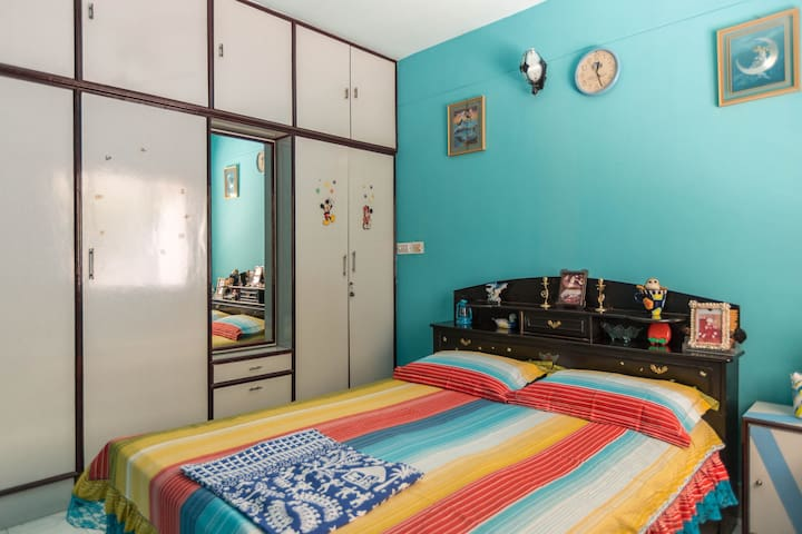 Double Bedroom with Complimentary Bfast and Wifi - Bangalore - Apartmen