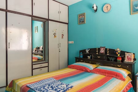 Double Bedroom with Complimentary Bfast and Wifi - Bangalore - Byt