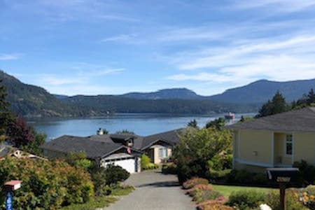 Ocean View in the heart of Cowichan Bay Village