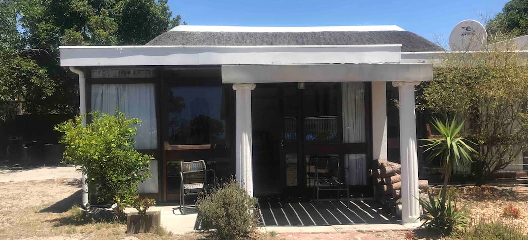 2 bed Garden Cottage in Pinelands, Cape Town