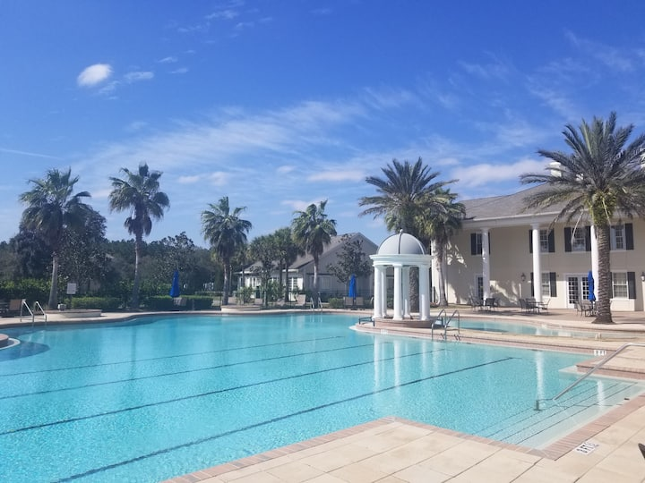 Luxurious 2BR/2BA Villa w/ FREE golf!