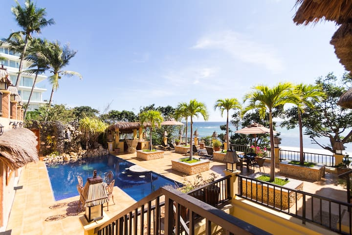 Large luxurious 1 b/r  beach front Apt w' pool - Malay - Appartement