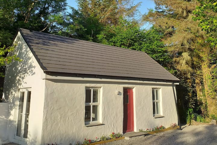 Private  Little Cottage, Letterfrack, Connemara