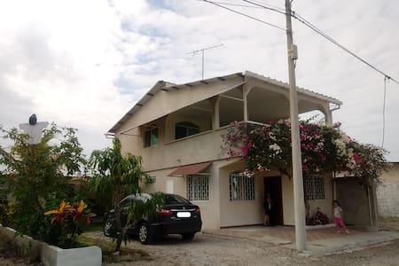 Casa Vacacional en urbanización privada