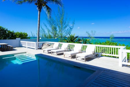 Beautiful Hilltop Home With Beach & Ocean View - Nassau - Rumah