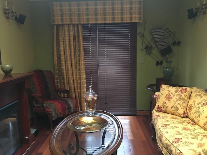Sunrise Loft Room in Luxurious Brooklyn Condo