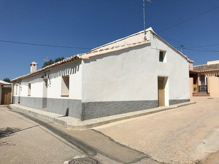 Casa en Campo López a 20 km de Lorca y Mazarron)
